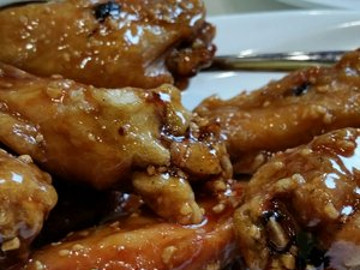 Deep Fried Chicken Wings with Honey Garlic